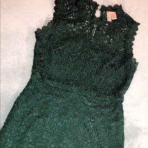 Forever 21's Short Emerald Crochet Dress. Size S